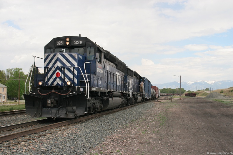 MRL326-MAY06-LOGAN,MT.JPG