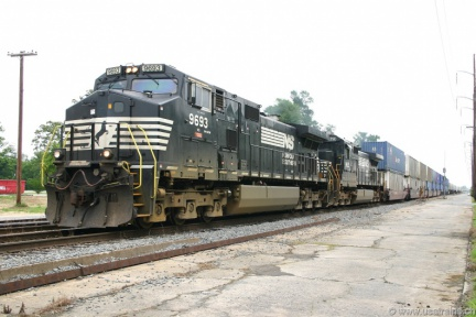 NS9693-MAY04-WEST PINE BLUFF,AR